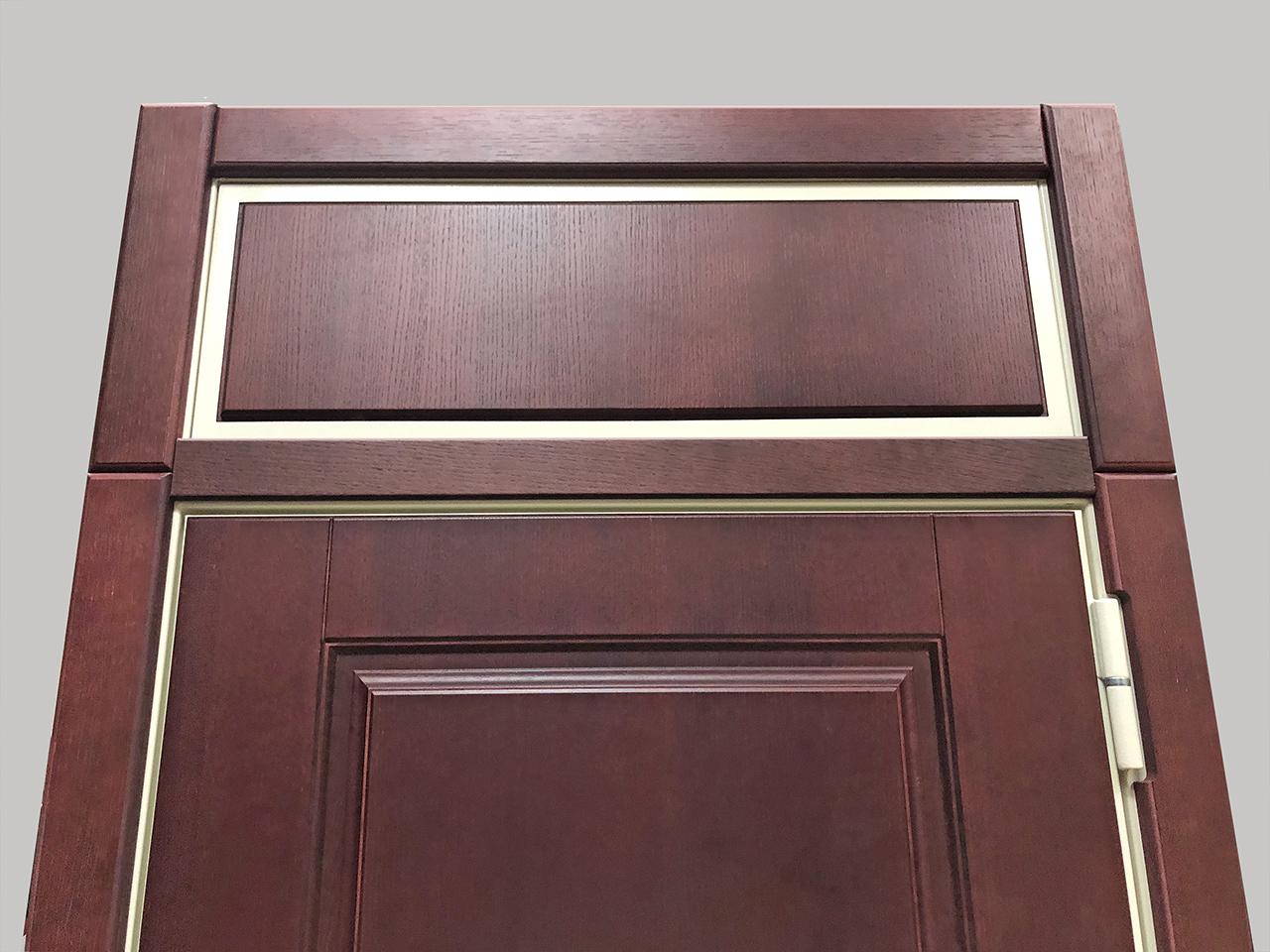 Горизонтальный наличник для дверей с фрамугой