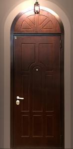 Стальная дверь с арочной фрамугой